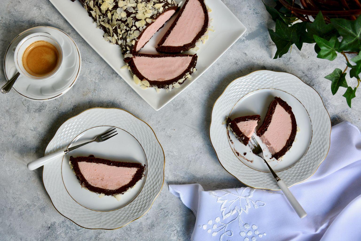 Paleo Plum Cake