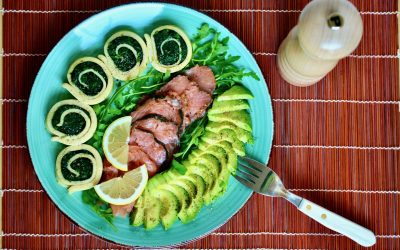 Paleo Spinach Breakfast Roll with Salmon