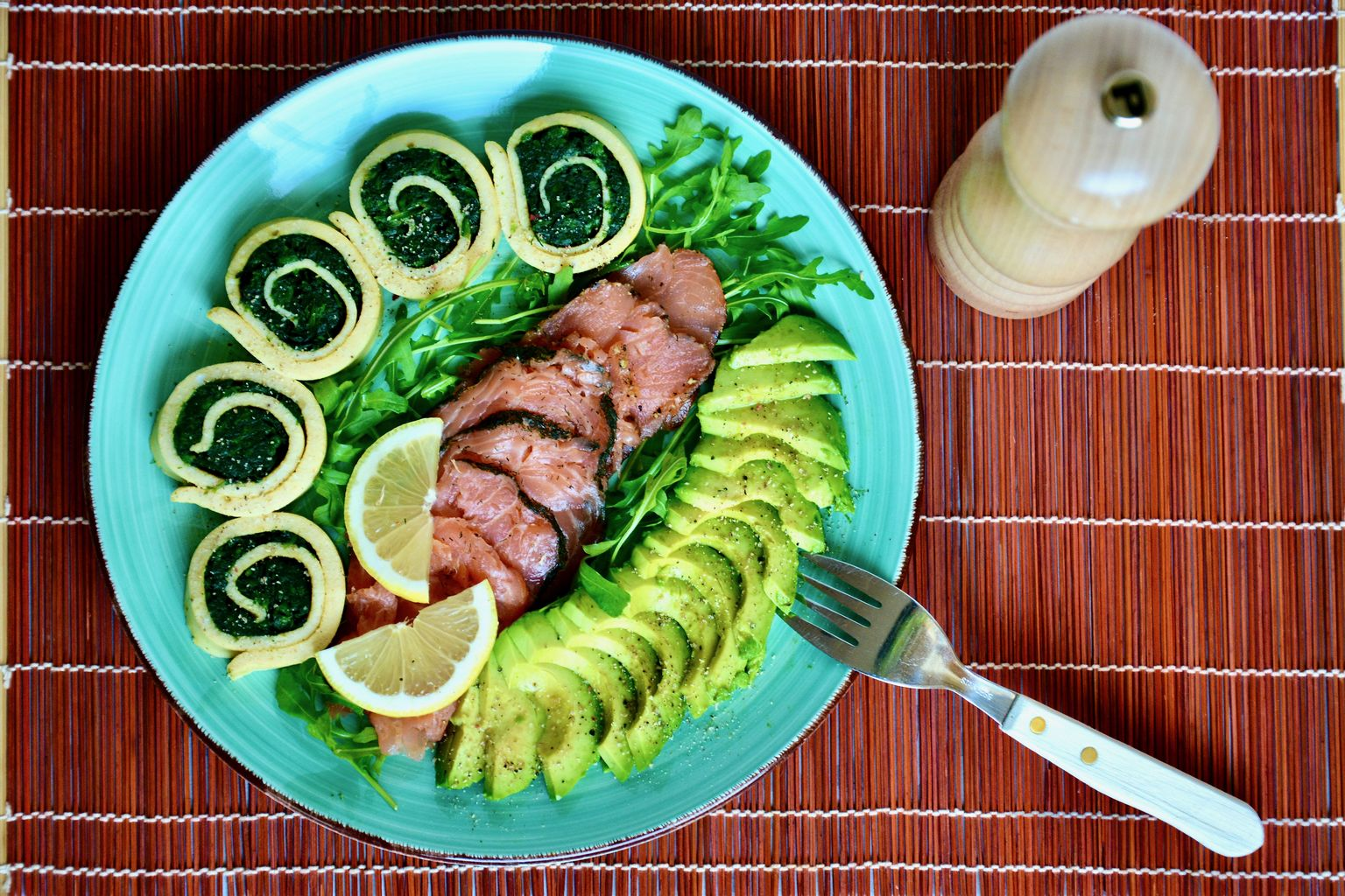 Paleo Spinach Breakfast Roll with Salmon and Avocado