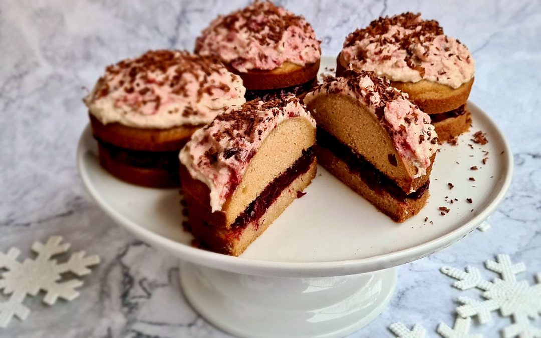 Cranberry Filled Christmas Cakes